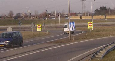 traffic sign wrong way driving sign go back netherlands